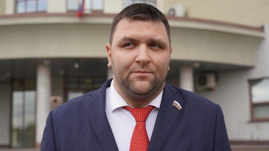 Общественного деятеля Дениса Меркулова в Москве избила толпа мужчин