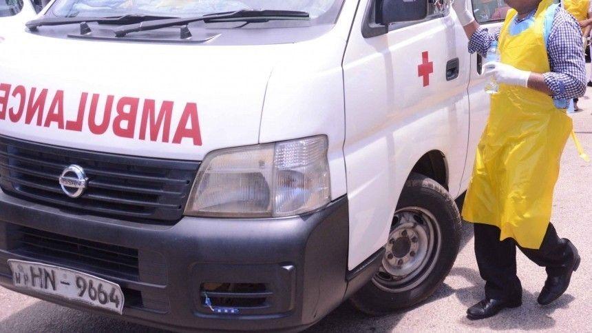 При крушении автобуса на Шри-Ланке погибли 13 человек и 30 пострадали