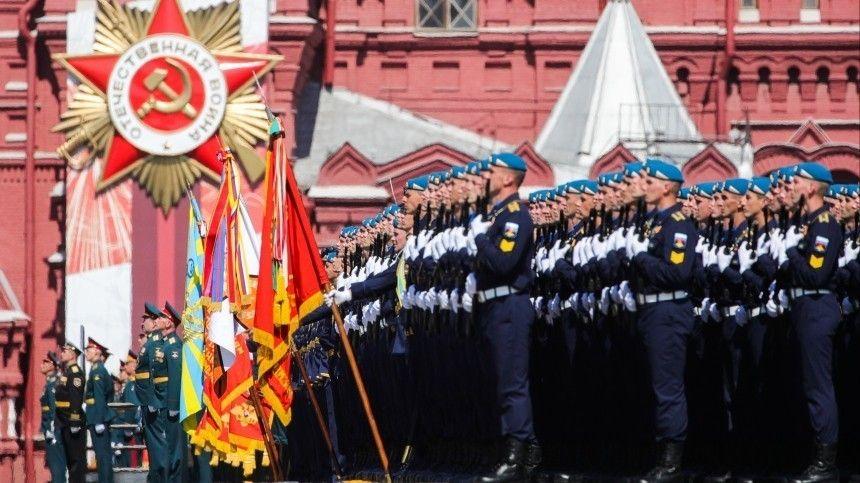 Песков: неизвестно, пригласят ли иностранных гостей на Парад Победы в Москву