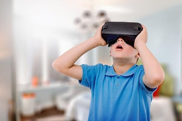 IDC: Facebook остается лидером рынка VR-шлемов