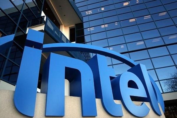 Рекордные продажи ПК привели к неожиданному росту доходов Intel