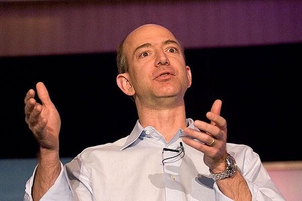Джефф Безос уйдет в отставку с поста генерального директора Amazon