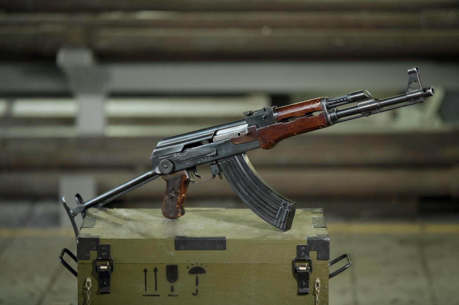 Военный США рассказал о преимуществах АК-47 перед М-16