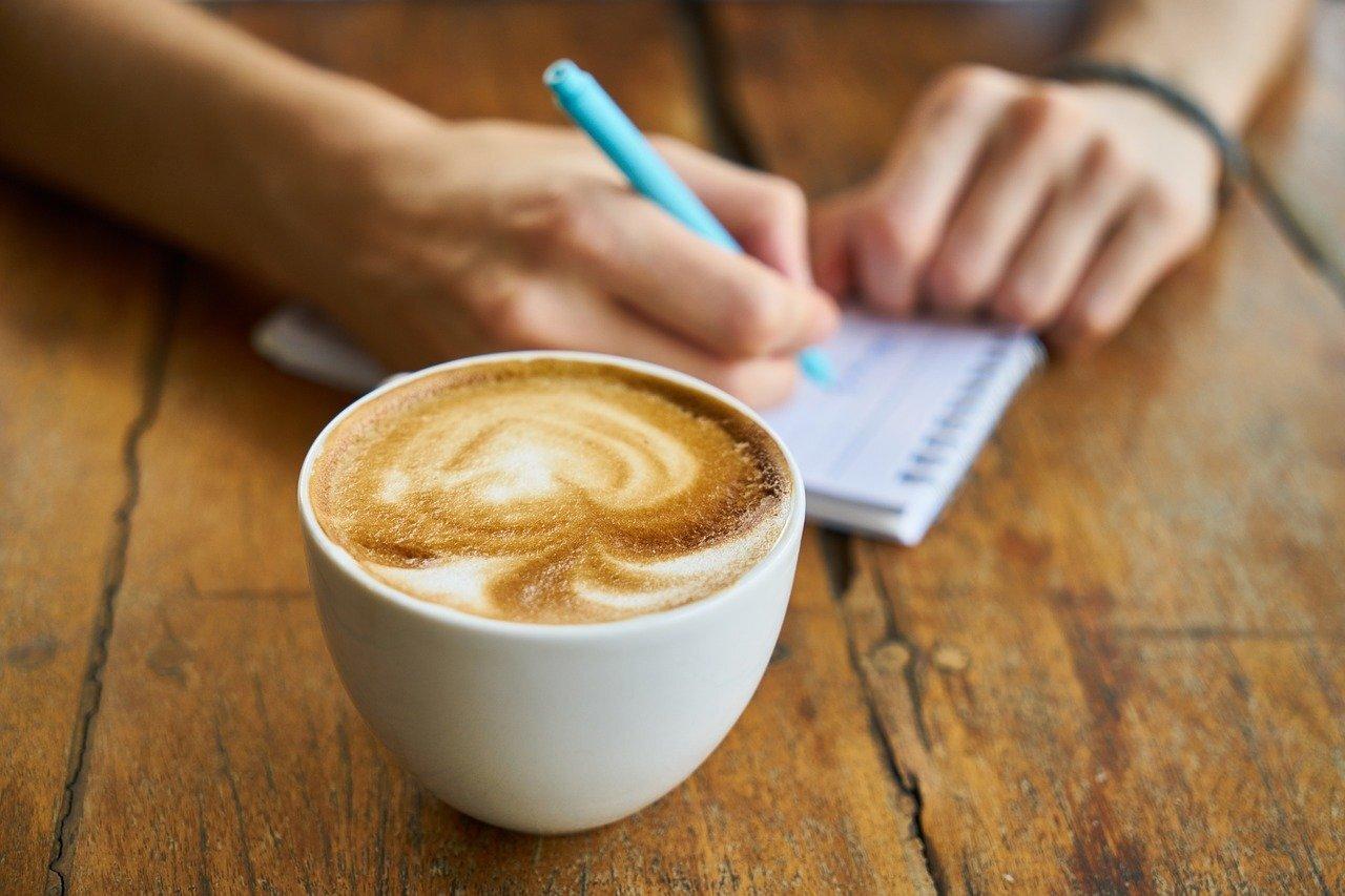 Учёные заявили, что люди не любят кофе, а просто зависимы от него