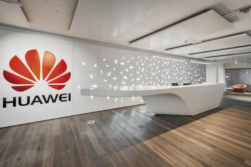 Huawei снизил цены на ремонт смартфонов и планшетов