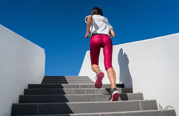 Ученые назвали простой способ проверить здоровье сердца с помощью лестницы