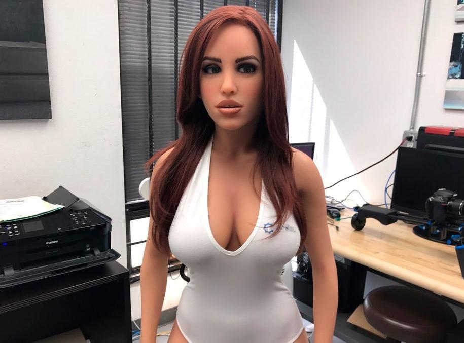 Эксперт рассказал, как появление секс-роботов изменит отношение к изменам в семьях