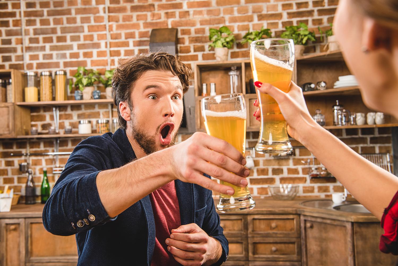 Учёные рассказали, как алкоголь помогает разговаривать на иностранном языке