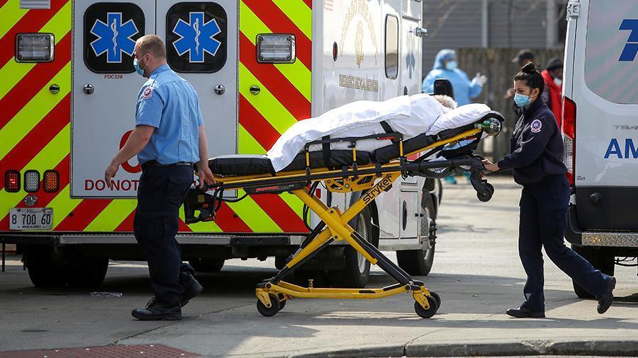 Из-за пандемии в США упала существенно упала продолжительность жизни