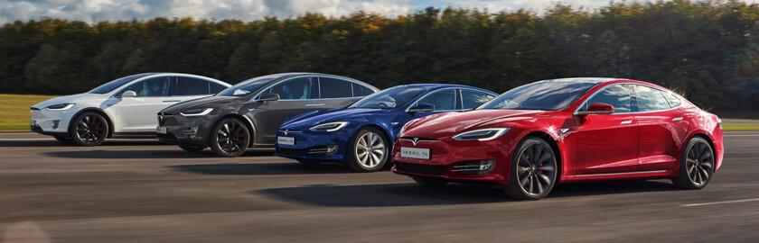 Названа причина внезапных ускорений электрокаров Tesla