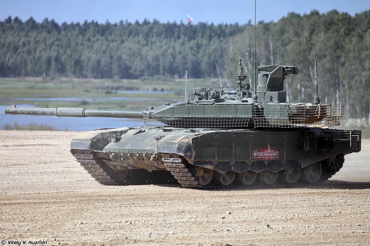 Российские военные получат более 400 танков и другой бронетехники в 2021 году