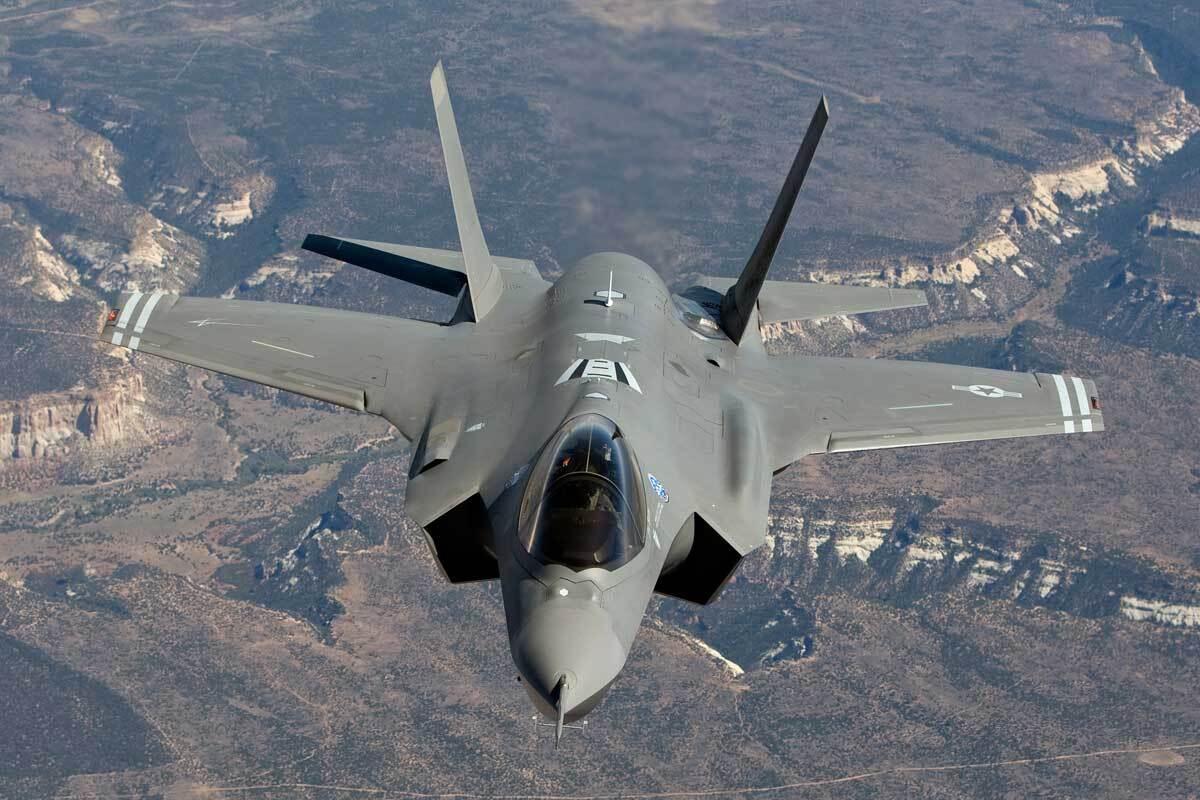Названа замена истребителям F-35 в США
