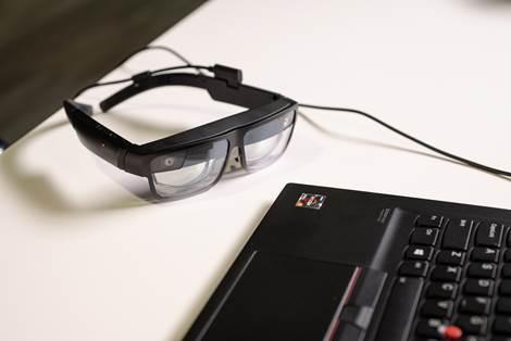 Представлены умные очки Lenovo с двумя дисплеями и скрытой камерой