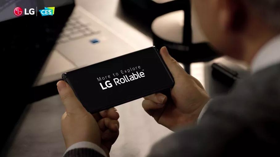 LG показала работу своего смартфона с экраном-рулоном