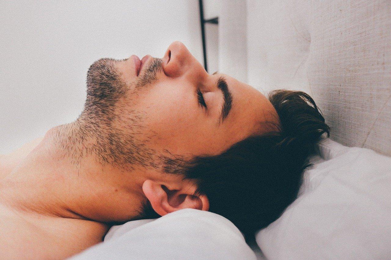 Учёные рассказали о пользе послеобеденного сна