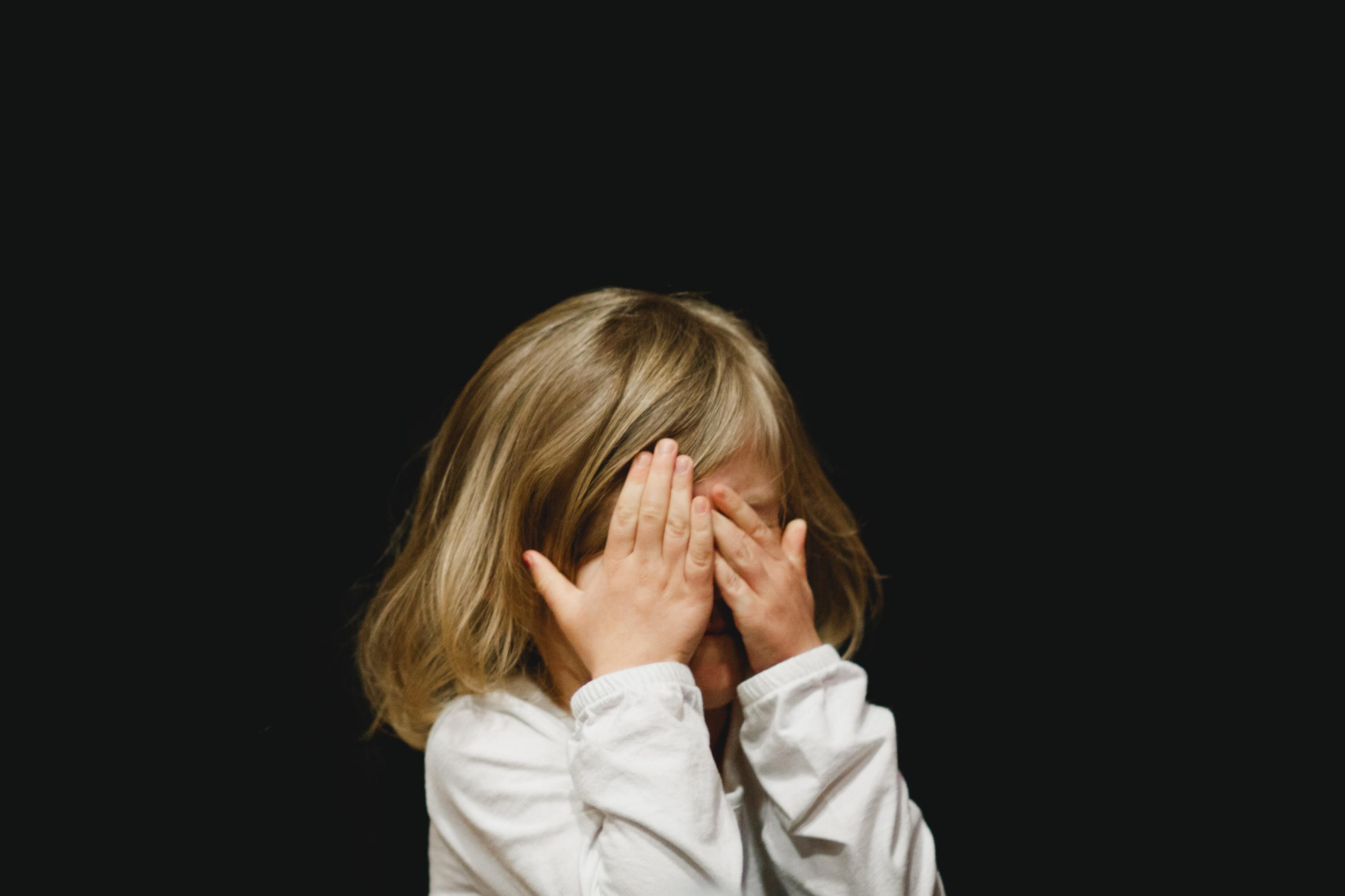 Исследование: детские травмы женщины могут повлиять на мозг её ребёнка