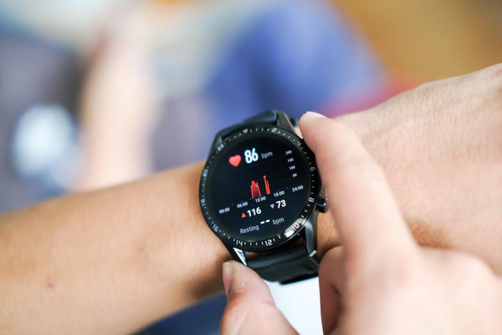 'Умные' часы Huawei смогут определять гипертонию и предупреждать об инфаркте