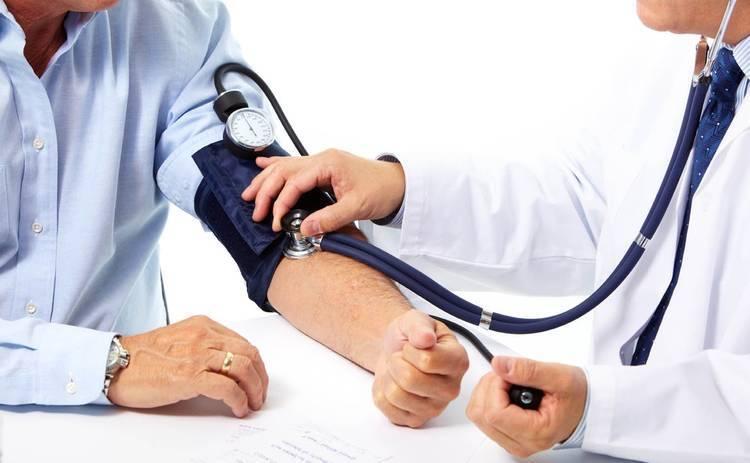 Врач раскрыла опасность снижения давления без лекарств