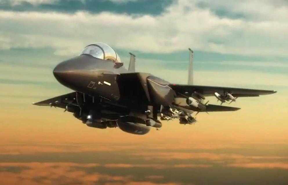 Эксперт оценил шансы истребителя Су-57 и китайского J-20 сразиться с американским F-15EX