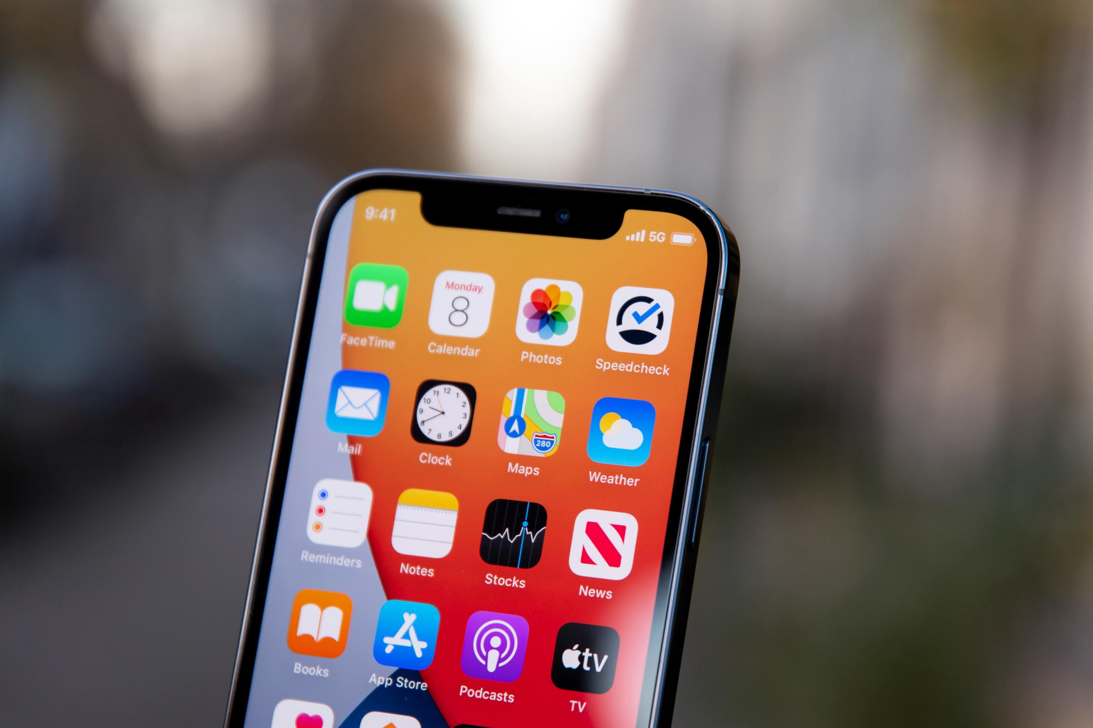 Apple обвинили в краже технологий для камеры iPhone