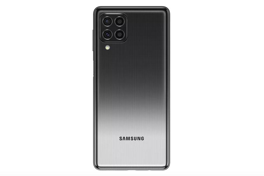 Samsung выпустила недорогой смартфон с 7000 мАч и флагманским процессором