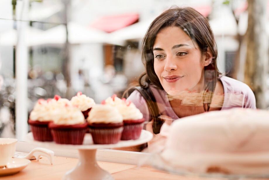 Врач рассказала, как противостоять желанию поесть сладкое