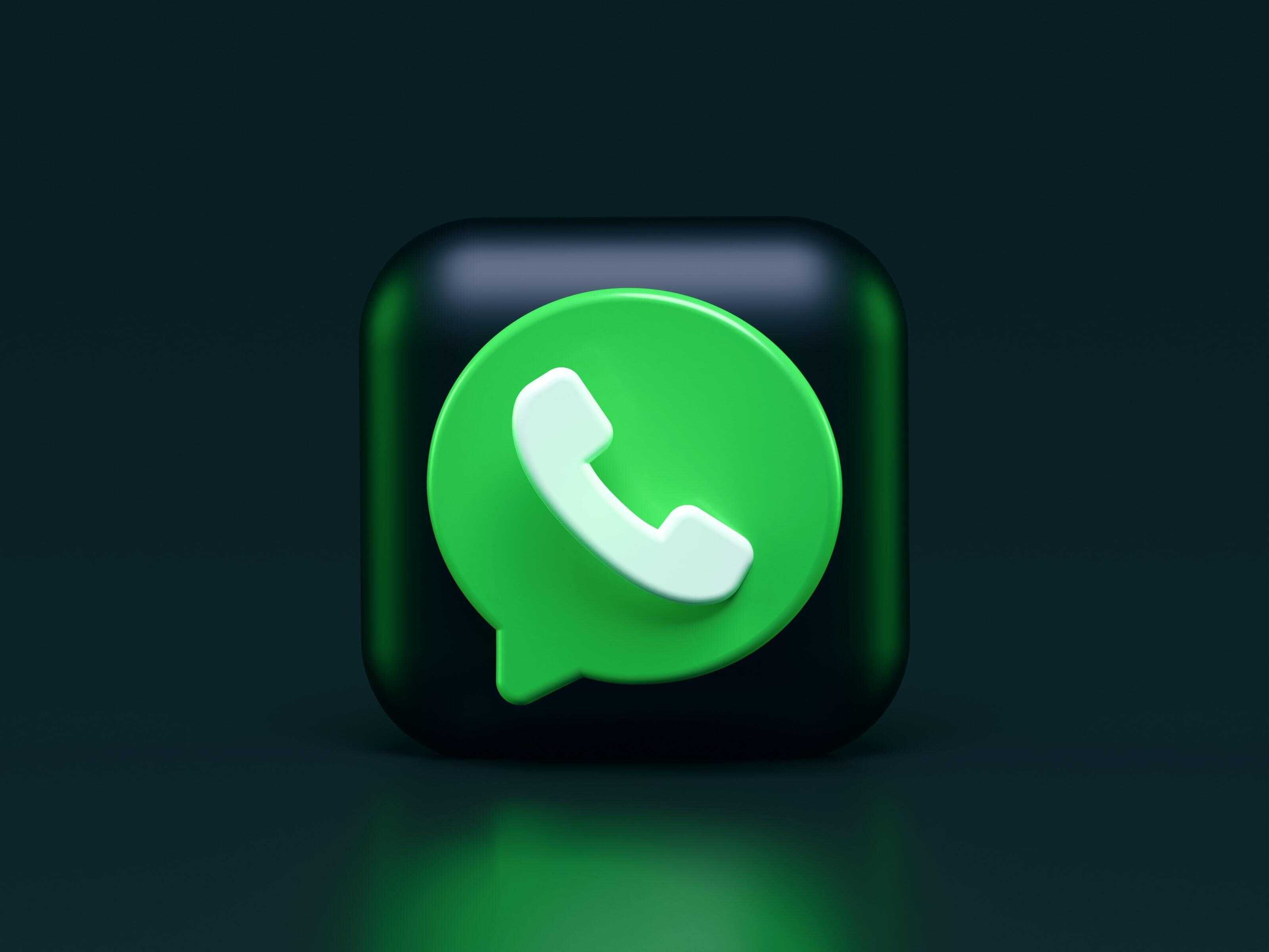 WhatsApp начал назойливо требовать у людей принять новые правила использования