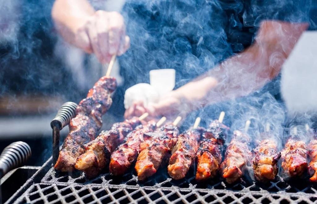 Названы болезни, от которых чаще всего страдают любители мяса