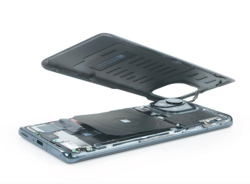 Новый флагманский смартфон Xiaomi оказался сложным в ремонте