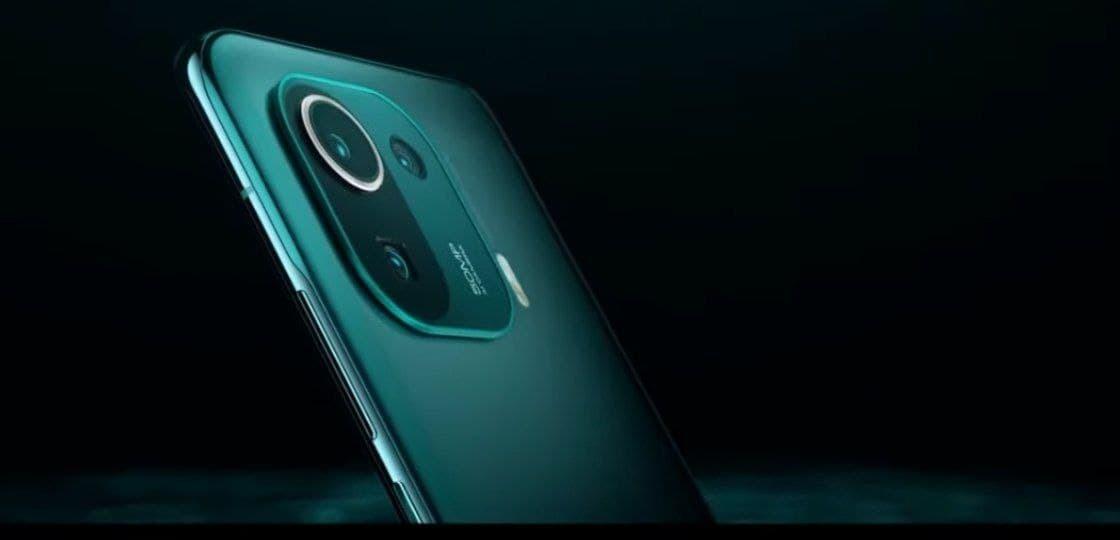 Xiaomi представила флагманский смартфон — «короля среди Android-устройств»