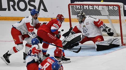 Сборная России поиграла периодами // Хоккеисты победили команду Чехии в первом и третьем отрезках матча