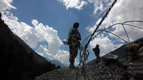 Пекин укрепляет деэскалацию лагерями // Обустройство китайской армии на границе с Индией срывает нормализацию отношений двух стран