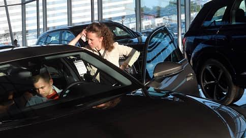 Авторынок в марте упал на 5,7% // На продажи давят цены и дефицит машин