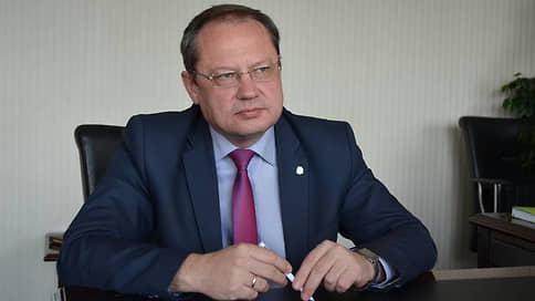 С мэром прощались родные и бийские // Но после встречи с губернатором Алтайского края глава города передумал увольняться