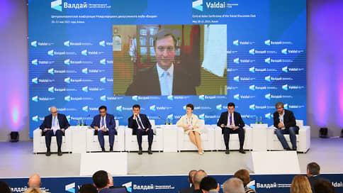 «От России хотелось бы большей последовательности и определенности» // Эксперты «Валдая» обсудили роль Москвы в Центральной Азии
