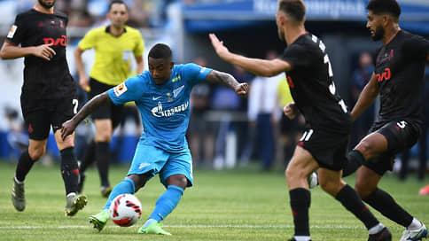 «Зенит» стартовал по-крупному // В первом матче нового футбольного сезона он выиграл Суперкубок, разгромив «Локомотив»