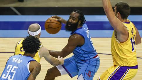 «Бруклин Нетс» добавил веса // Джеймс Харден из «Хьюстона» стал героем одной из самых крупных сделок в истории НБА