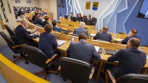 Кандидатам не нравятся результаты // Отвергнутые претенденты на посты мэров Сургута и Тамбова пожаловались в суды