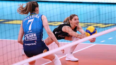 Волейболистки начинают погоню // Трем российским клубам предстоит трудная борьба за путевки в play-off Лиги чемпионов