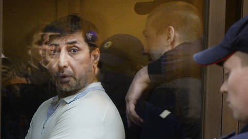 Десантнику нашли дело, не выходя из «Лефортово» // Сообщник Шакро-младшего обвинен в похищении человека