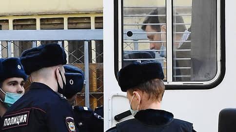 Сергей Фургал готовится к суду присяжных // Обвиняемый в организации убийств экс-губернатор выступил на закрытом заседании с открытой речью