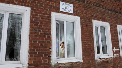 «Сегодня чужую бабушку хоронят под номером — а завтра это можете быть вы» // Как болеют и умирают пожилые люди в Ярославской области