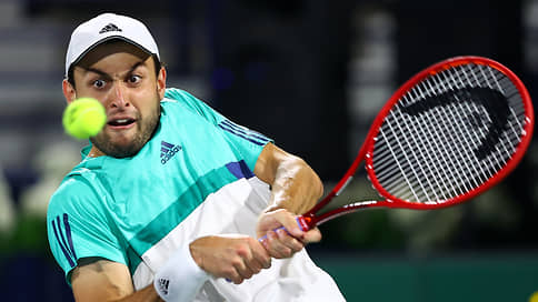 Первый парень на Дубае // Теннисист Аслан Карацев выиграл крупный турнир в ОАЭ