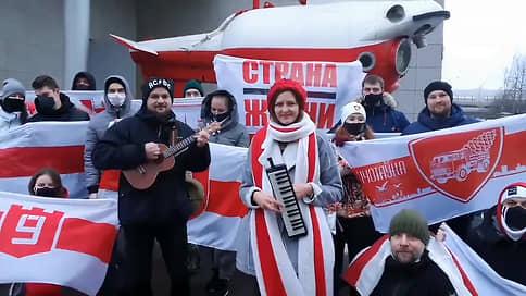 Белорусы сводят счеты в Санкт-Петербурге // Российская полиция задержала противников Александра Лукашенко по просьбе его сторонника