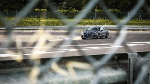 Maserati показала тизер нового купе GranTurismo