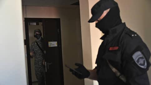 Нижегородские обыски поедут в Страсбург // Следственные действия в квартирах Ирины Славиной, Михаила Иосилевича и других признаны законными