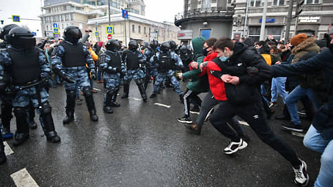 Ох, нелегкая эта суббота // Участники разошлись с экспертами в оценках акций протеста