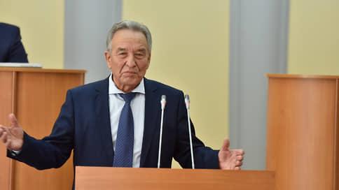 Депутаты не вступились за калмыков // Председатель парламента Хакасии сохранил свое кресло