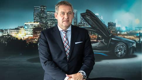 «Всегда есть люди, которые могут позволить себе премиальный автомобиль» // Штефан Тойхерт, глава BMW в России