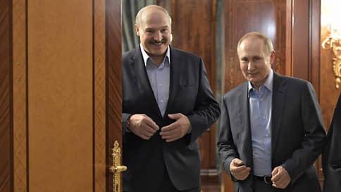 Александр Лукашенко ведет страну к деньгократии // Президент Белоруссии собирается в Россию за кредитом и не собирается ни с кем делиться властью